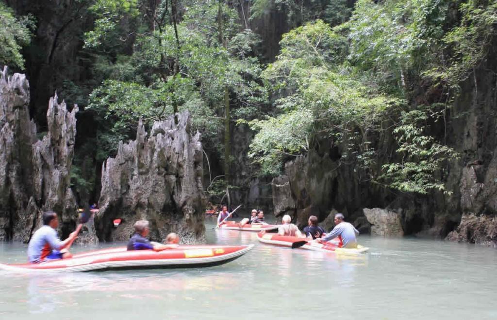 Phuket Sea Canoe Tour Phan Nga canoeing