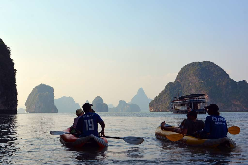 Phuket tour sea canoe