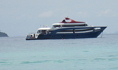 Phi Phi Tours with Royal Jet Cruise Phi Phi Premium Tour