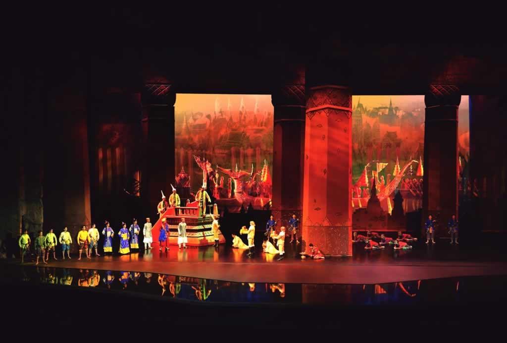 Siam Niramit Show Phuket - Palace