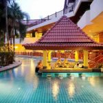 Baumanburi Hotel Patong Beach - Pool