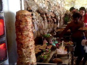 Gemischtes Buffet zum Mittagessen in Phi Phi Island