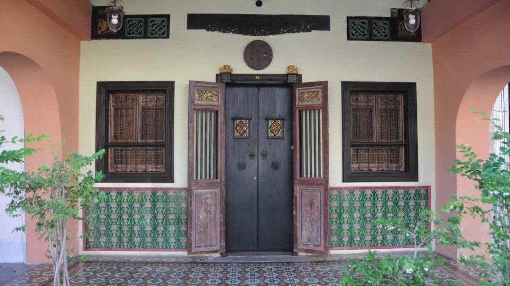 Phuket Sightseeing - Old Town Mansion