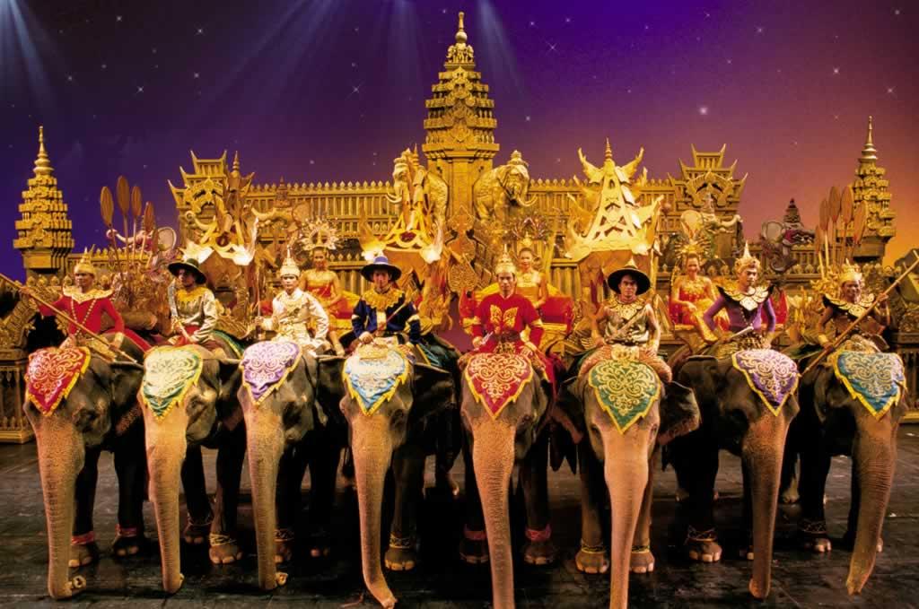 Phuket Fantasea Show - Elephants