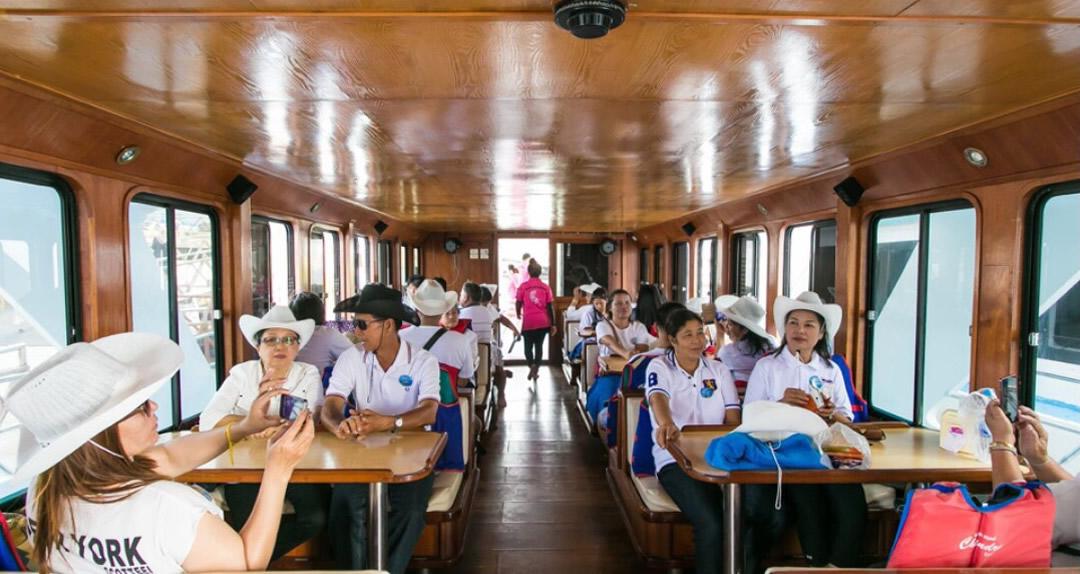 MV Chandra Cruises specious salon and dining area